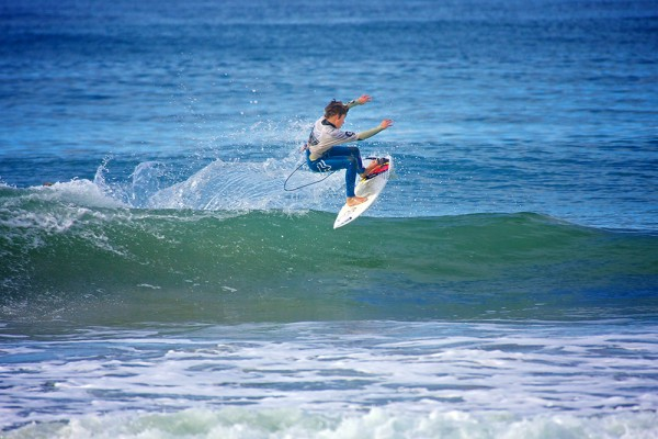 Gunner Day of San Clemente caught a big air in Boys U14 competition Sunday at the WSA Midget Smith Memorial Pier Rat Challenge at the San Clemente Pier. Photo by Sheri Crummer