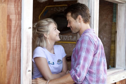 Julianne Hough and Josh Duhamel in Safe Haven.
