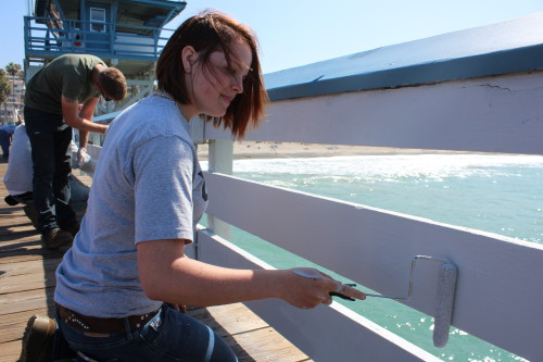 Lance Cpl. Kelly Yawt paints the San Clemente Pier.
