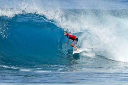 Gavin Beschen placed second in Quarter Final Heat 1 of the Men's Pipe Invitational at Pipeine, Hawaii. Photo: WSL /  Damien Poullenot