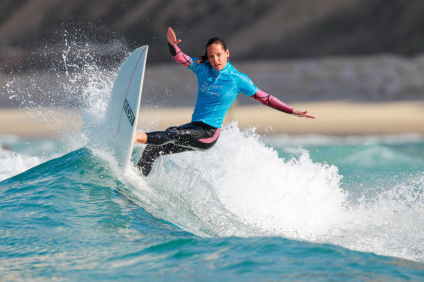 Marissa Shaw, a former surf team captain at San Clemetne High School, is back competing on the waves after receiving her nursing degree. Photo: Courtesy