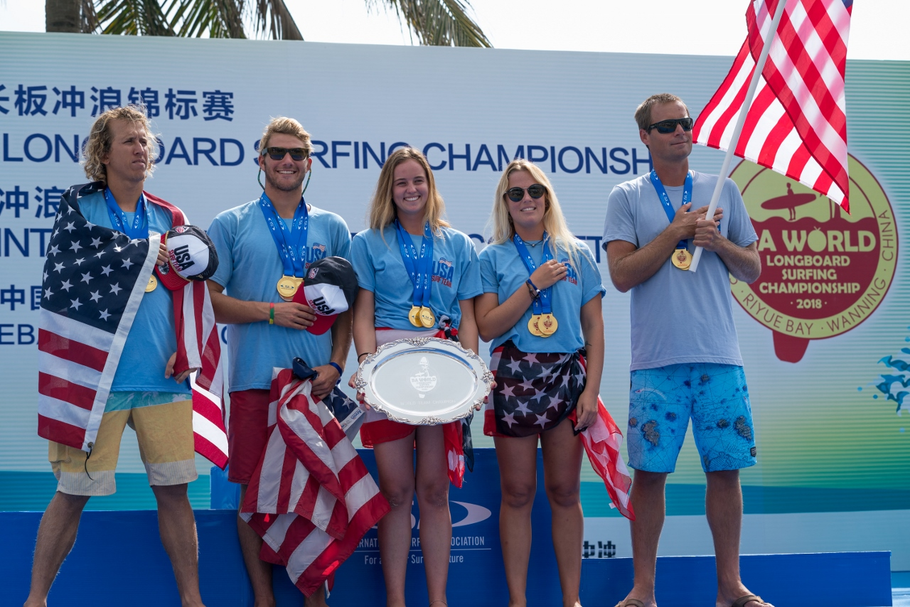 Team USA celebrates its gold-medal performance at the 2018 ISA World Longboard Surfing Championship on Jan. 25 at Riyue Bay in Wanning, China. Photo: Courtesy of ISA/Sean Evans