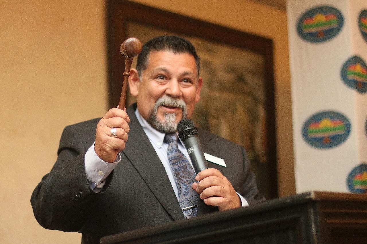 Newly appointed Chamber Board President Steve Ynzunza is sworn in.