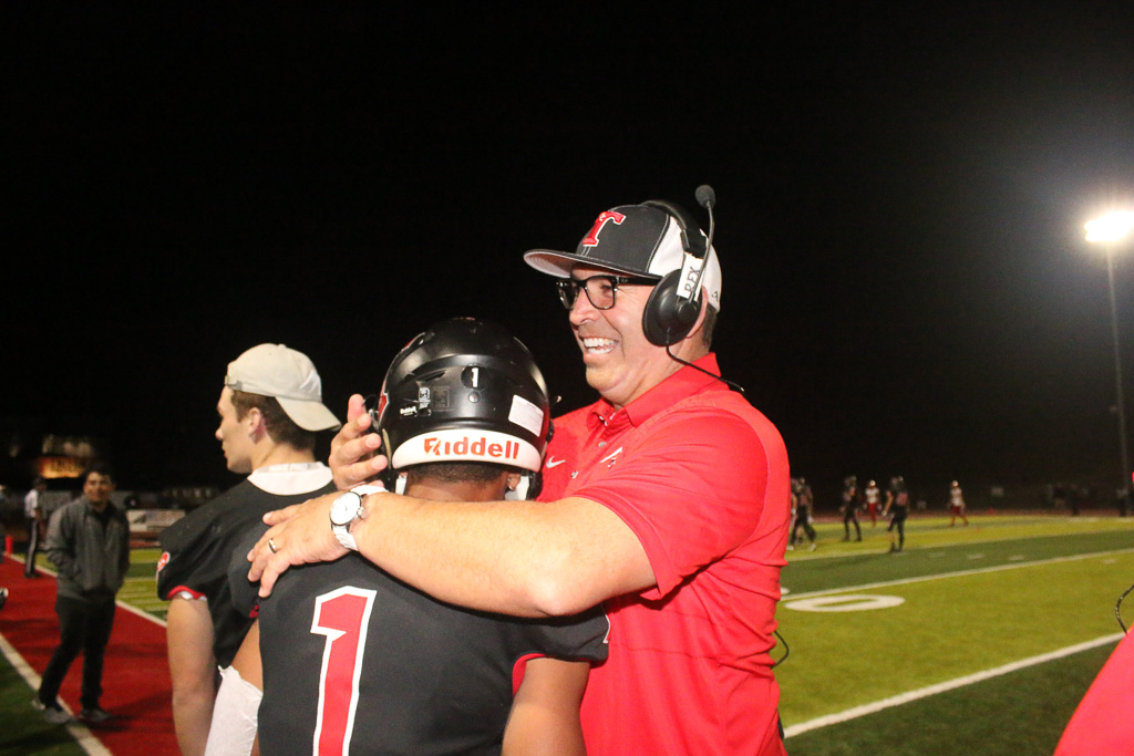 San Clemente football beats Mission Viejo for first time since 1999 and wins South Coast League championship, 21-20. Photo: Eric Heinz