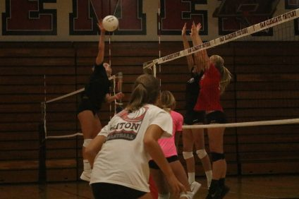 San Clemente girls volleyball went from a winless South Coast League campaign in 2017 to undefeated Sea View League champions in 2018. The Tritons earned a first-round bye and will host a second-round match on Saturday, Oct. 20. Photo: Zach Cavanagh