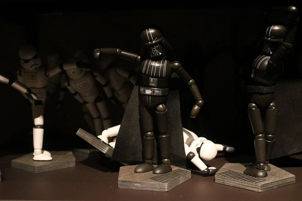 Galaxy's Edge 5 – Toy Vader