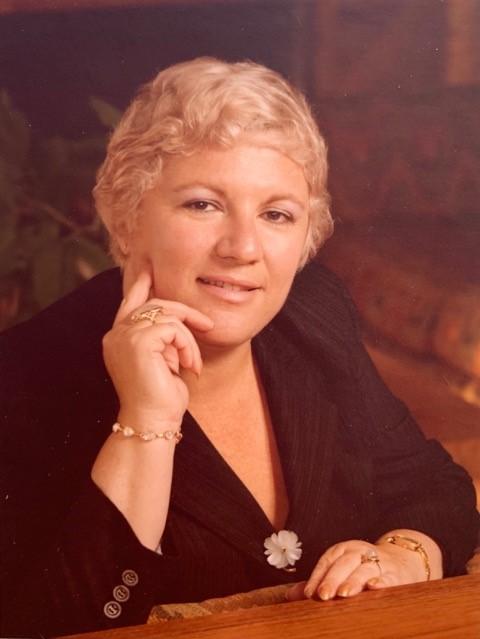 Lynne M Geyser obit photo