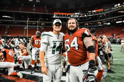 San Clemente alumni Sam Darnold (left) and Sean Harlow meet up after the New York Jets and Atlanta Falcons played in a NFL preseason game on Aug. 15 in Atlanta. Photo: New York Jets